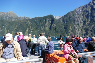 Tourists-Milford Sound